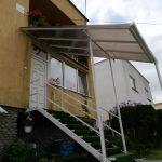 Prístrešok z lexanu-Vranov s oceľovou konštrukciou. Vyrábame a montujeme prístrešky na terasy, na autá, nad vchodové dvere, hormax