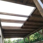 Zastrešenie terasy - Košice s drevenou konštrukciou a krytinou v kombinácii plech a plný polykarbonát,hormax